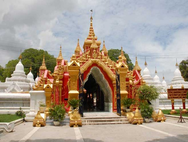 Entrance of the pagoda