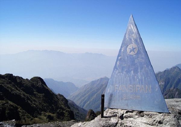 Conquering Fansipan peak