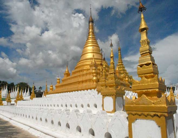 Sandamuni Pagoda in Mandalay – one of the most famous pagodas in Myanmar