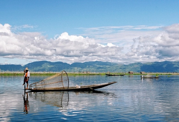 Inle Lake is the second largest lake in Myanmar