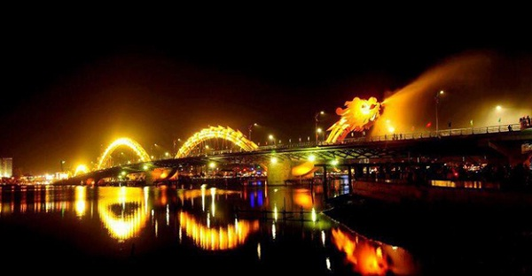 Dragon Bridge is one of the popular place in Danang