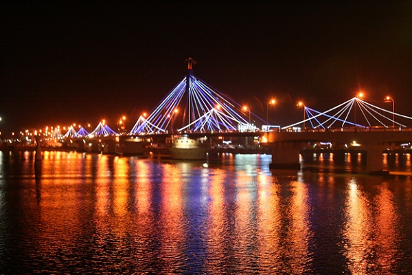 Poetic beauty of Han River Bridge
