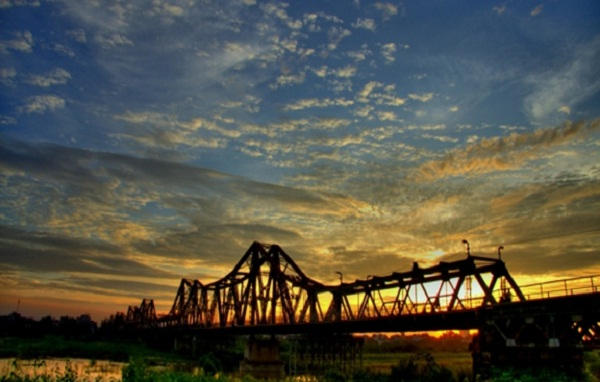 Long Bien Bridge in sunset