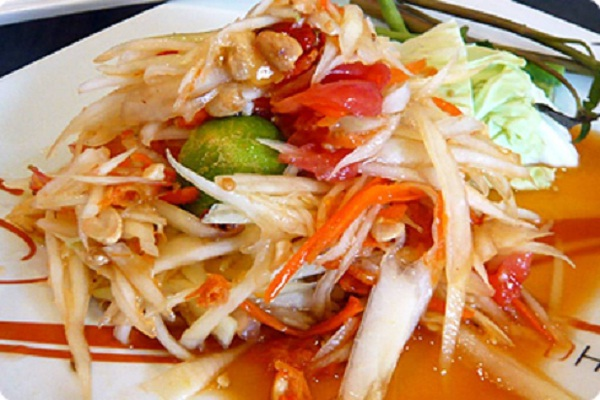 Som tam (greenpapaya salad)