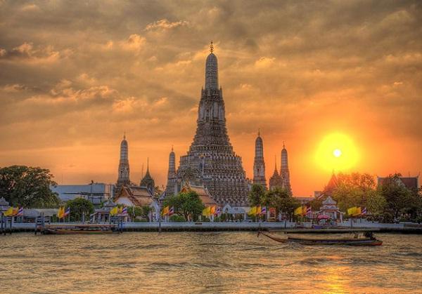Wat Arun, the Temple of Dawn
