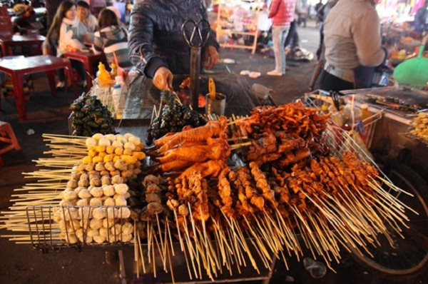 Mixed skewer in Da Lat night market