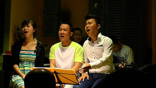 """Top acoustic coffee shops in Saigon, Vietnam """
