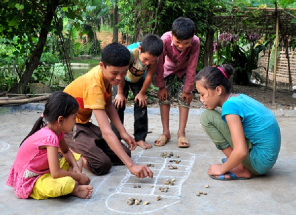 """O an quan"" is very popular in the village but children in the cities is not familiar with much"