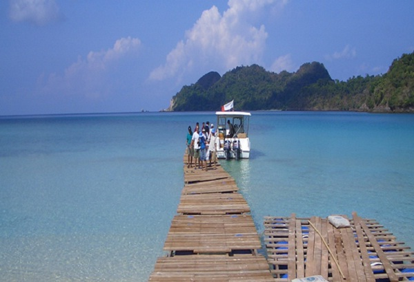 Explore Burmese beaches on a budget