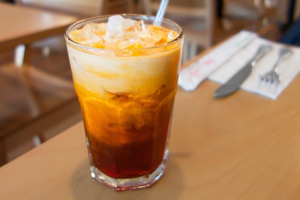 Thailand food tends to have more sugar in desserts and drinks than Laos'