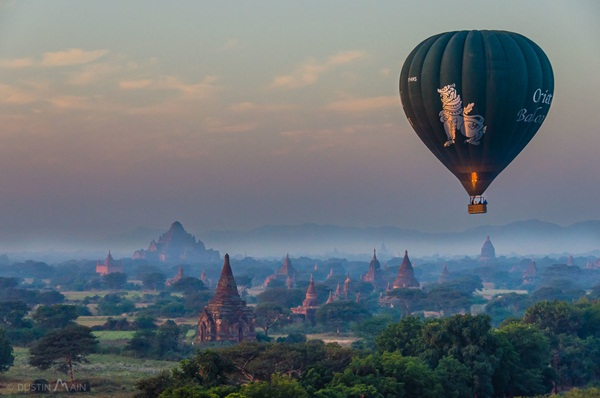 Travel by hot air balloon in Bangan