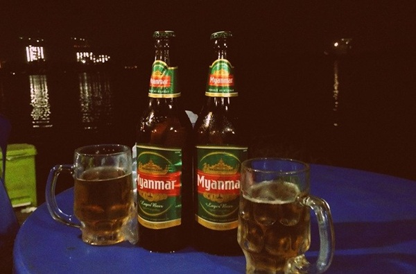 Enjoying a lakeside dinner is an interesting thing to do in Yangon