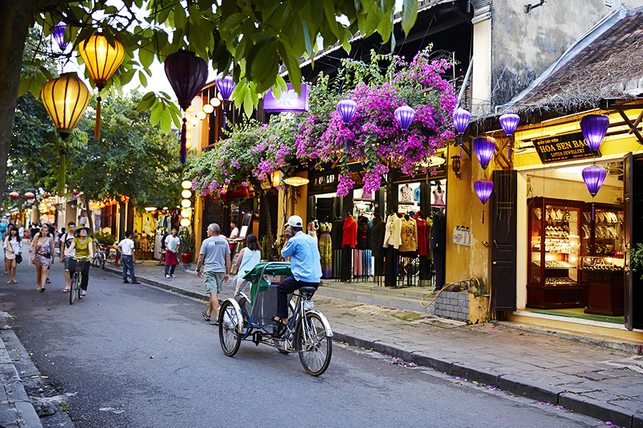 Hoi An( Vietnam) is an ideal place for cyclo and bike tour