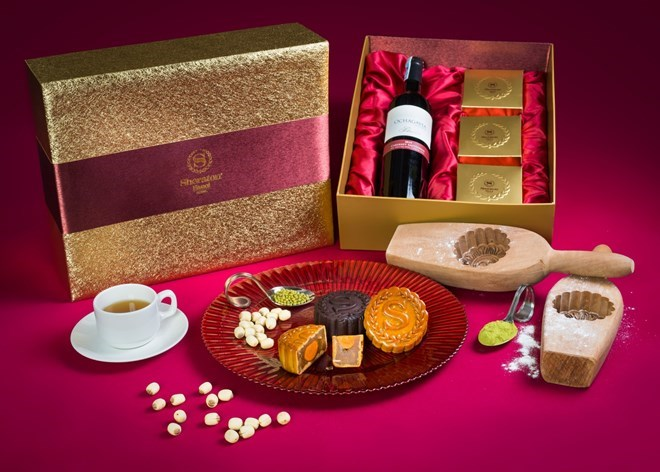 Moon cakes- the best gift in Moon festival in Vietnam