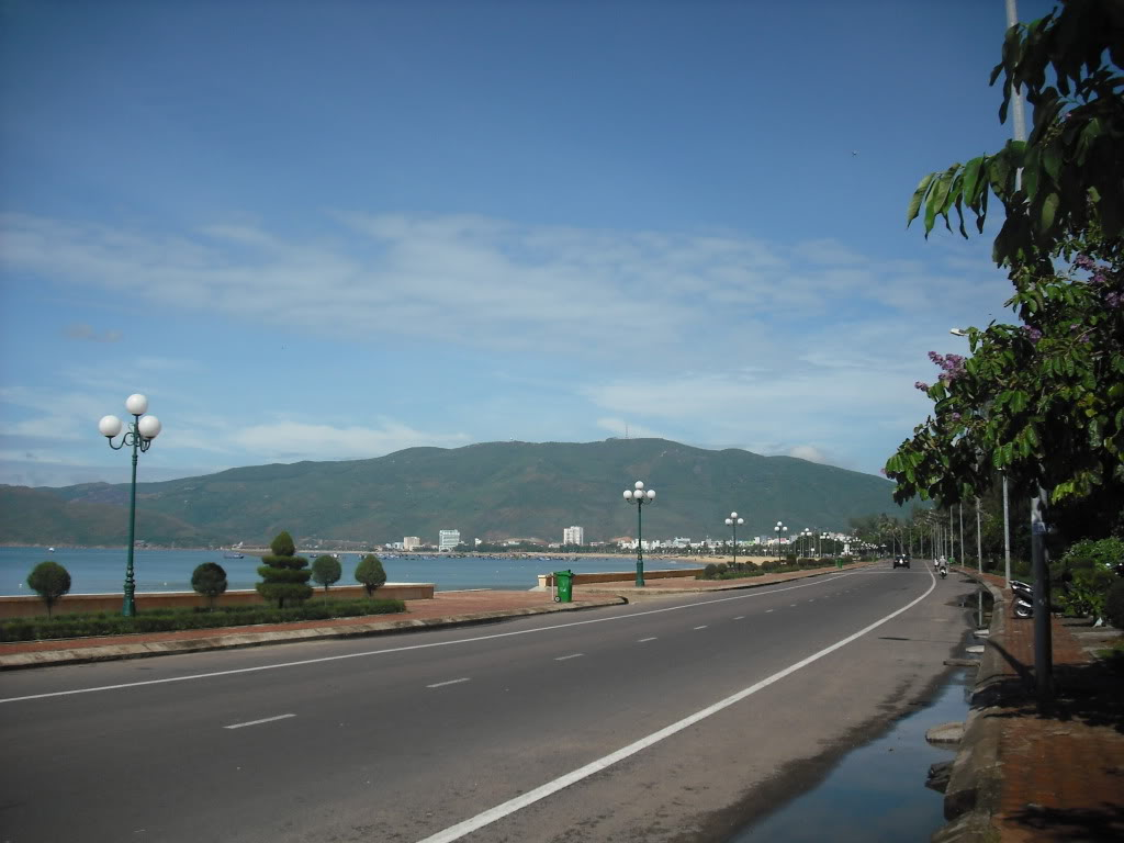 Taxi is a great transport on the spacious streets in Quy Nhon