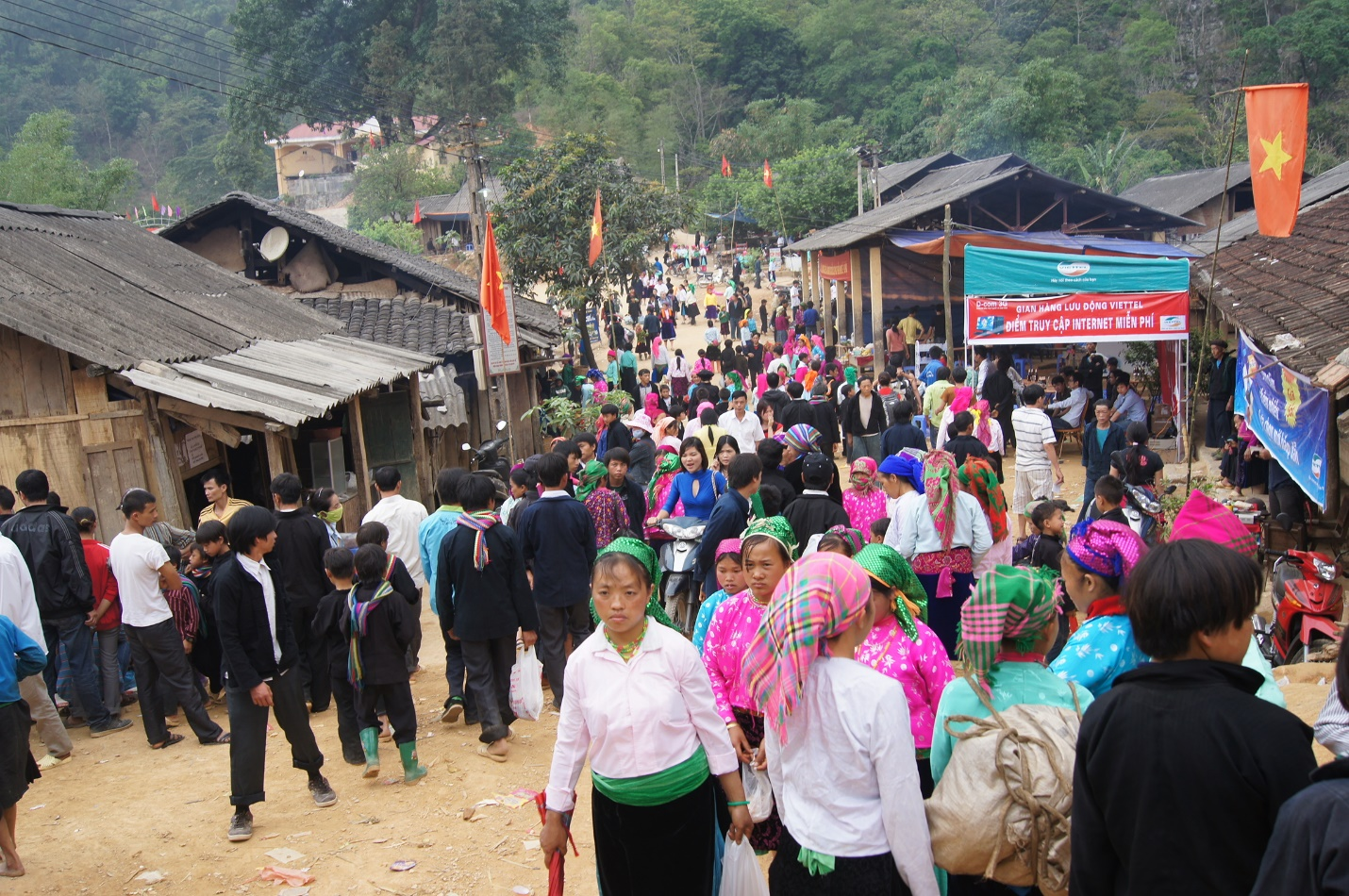 The ethnic market is one of symbols of the traditional culture of Dong Van plateau
