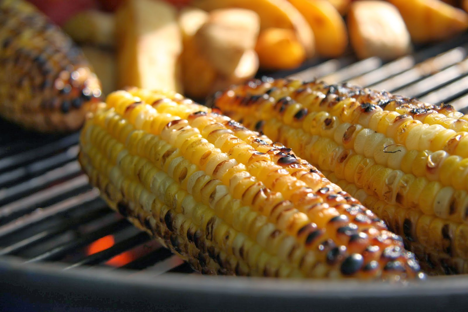 Smell a fragrance of grilled corns