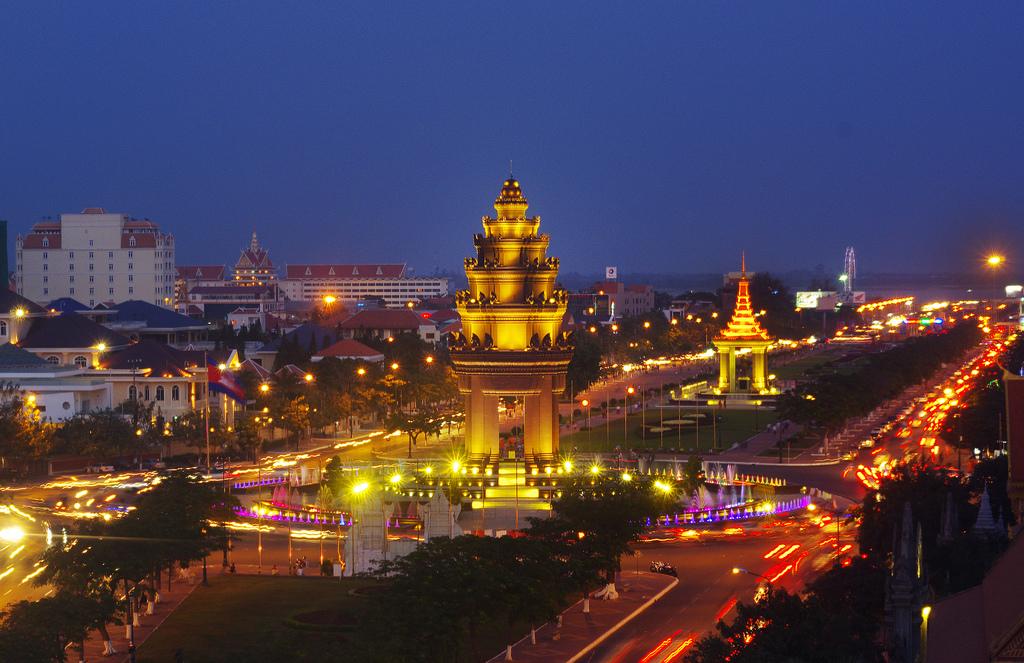 The beauty of Phnom Penh at night