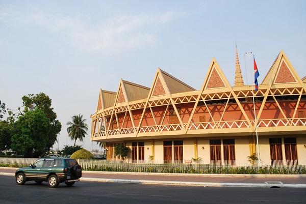 Unique-design-of-Chaktomuk-Conference-Hall