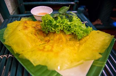 Delicious-Vietnamese-crispy-crepe