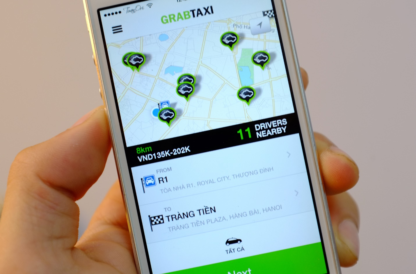 Grab taxi- a useful app for visitors when choosing cheap taxis in Hanoi