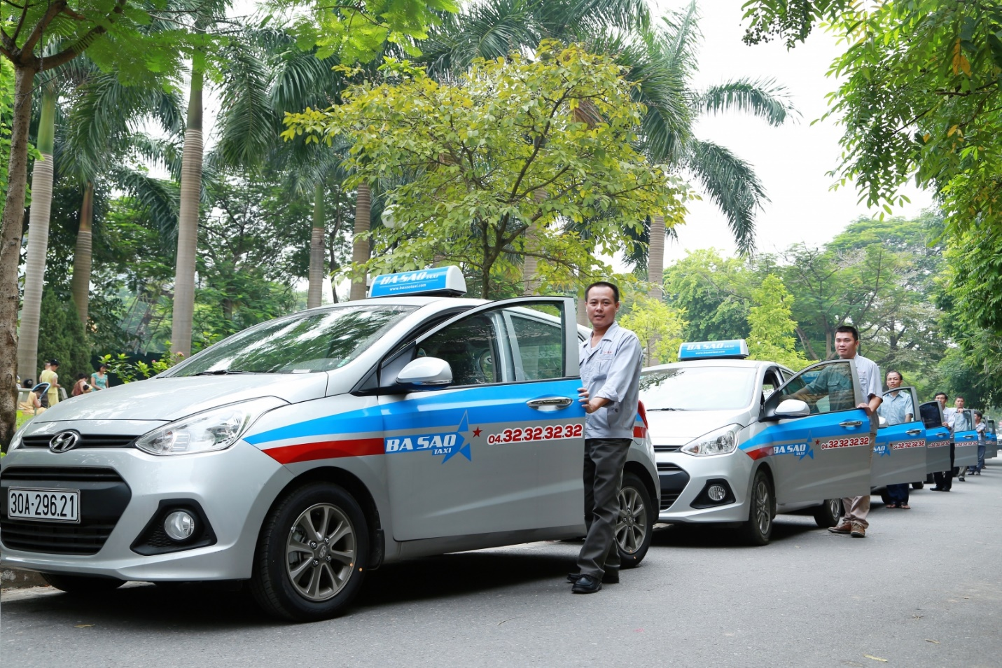 If you are in Thanh Xuan area, you should choose Ba Sao taxi