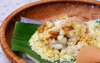 Sticky rice with corn maize