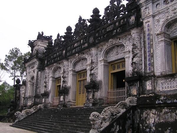 The-front-of-Khai-Dinh-Mausoleum