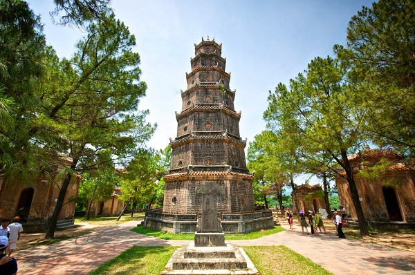 The-unique-architecture-of-Thien-Mu-Pagoda