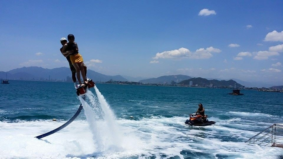 People play Flyboard in Nha Trang
