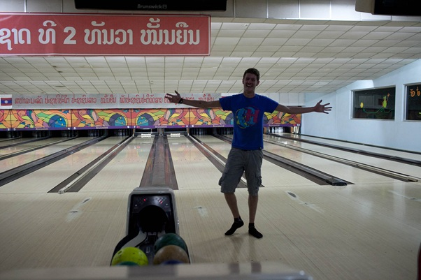 Lao Bowling Center