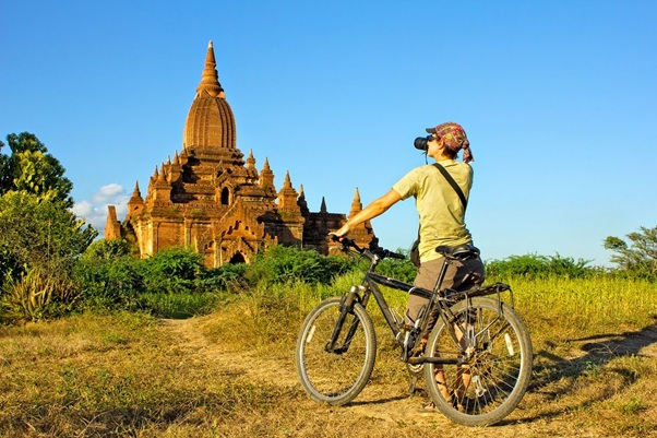 Bagan by bike