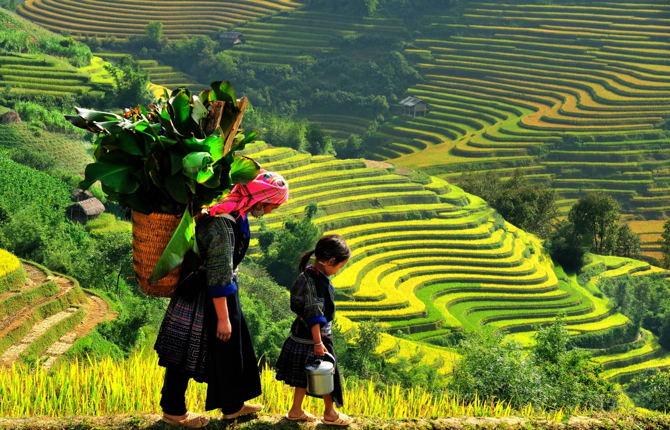 Picturesque mountain scenery and brocade colors of ethnic minority people