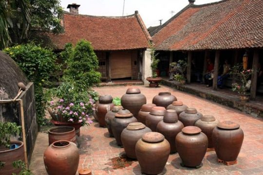 Visiting & Discovering Duong Lam Ancient Village In Vietnam