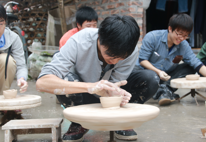 Learn how to make ceramics in Bat Trang