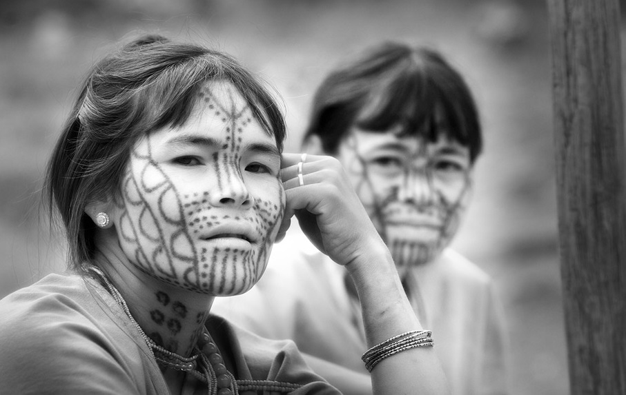Story of the face – Tattooed women in Myanmar