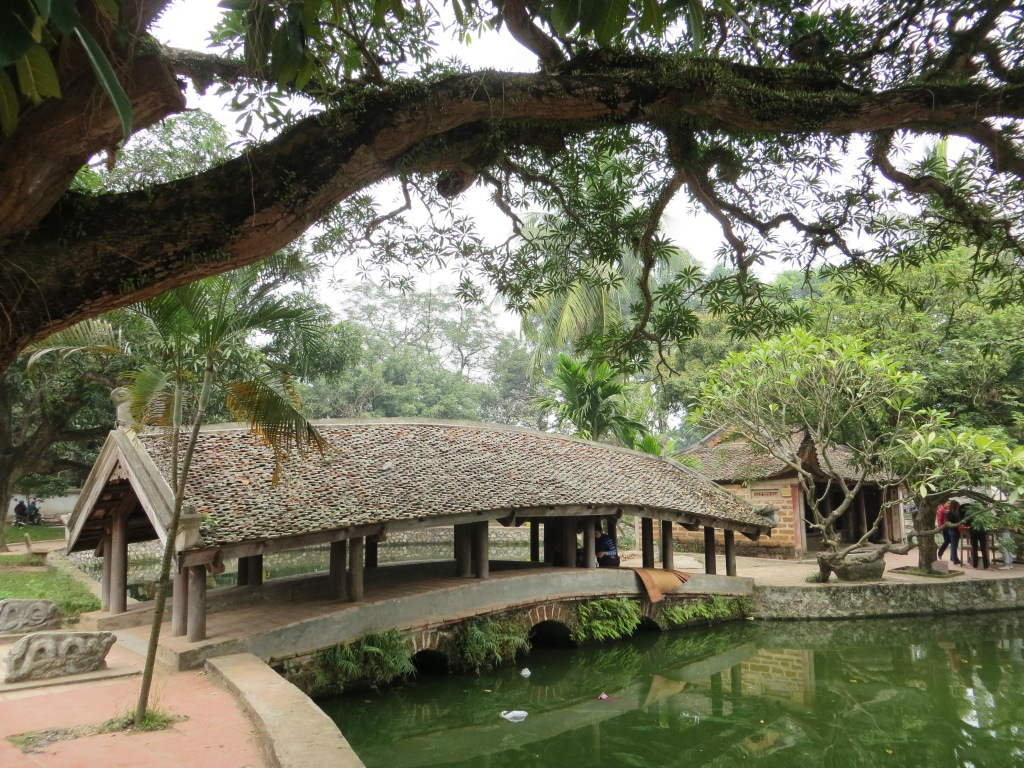 The peace of Duong Lam Ancient Village