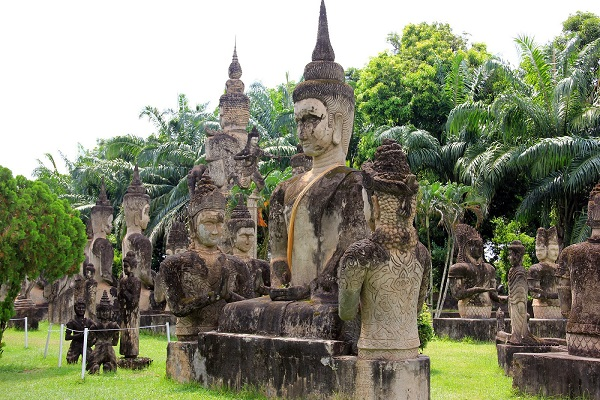 Discovering Vientiane one day