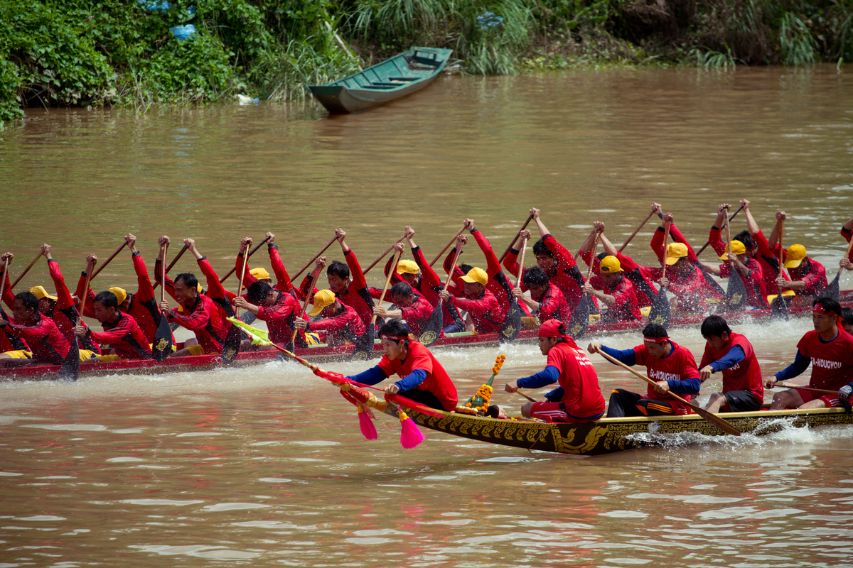 Dragon boat race on Nam Khan river
