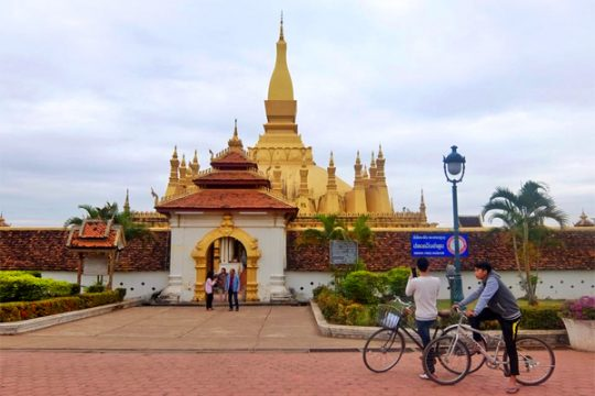 A peaceful day at Pha That Luang