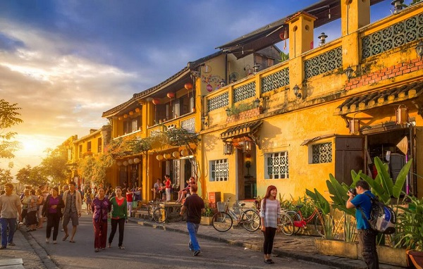 Hoi An ancient street with beautiful architecture