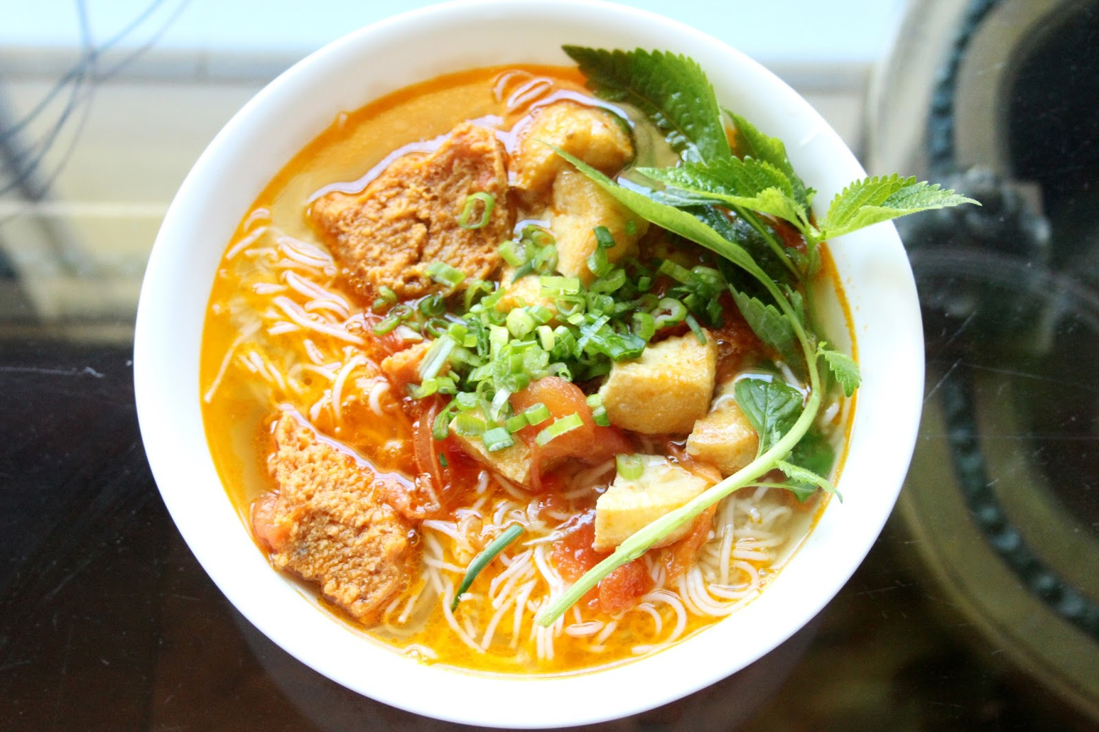 Let's enjoy Bun Rieu in Hanoi