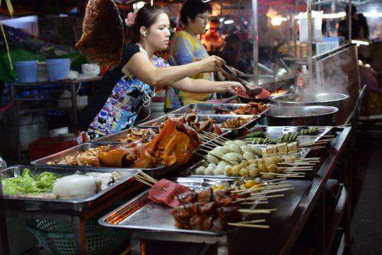 Top night markets to visit in Myanmar