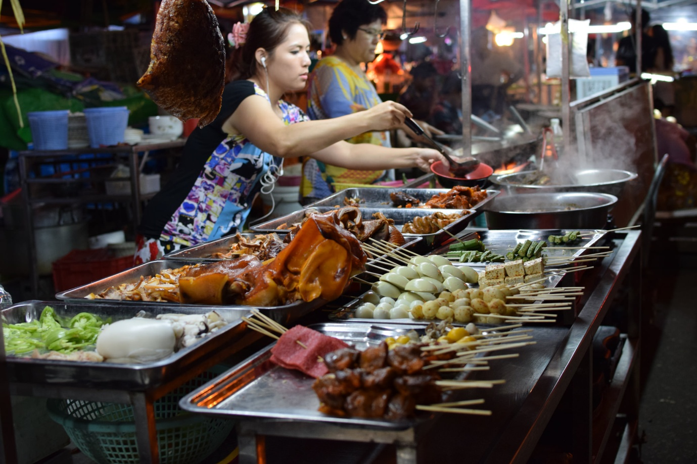 Anawrahta Road Night Market