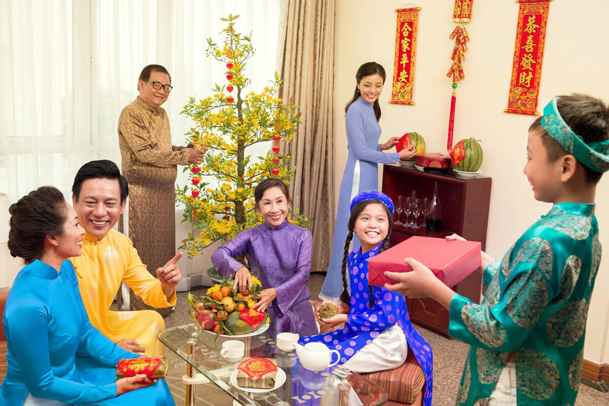 Things Vietnamese people avoid on Tet holiday