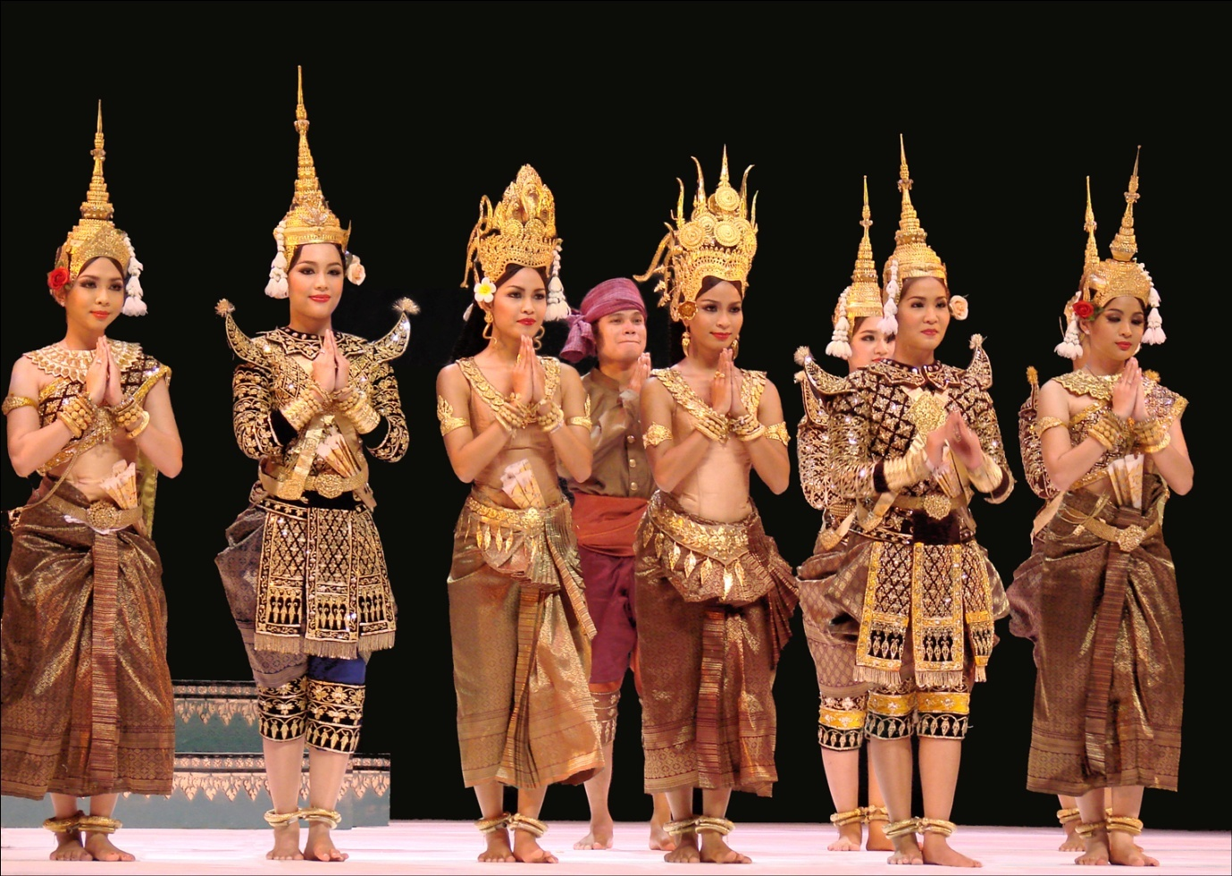 Apsara Dance - The Elegance & Grace of Angkor