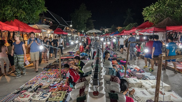 Best-place-to-experience-Luang-Prabang's-nightlife