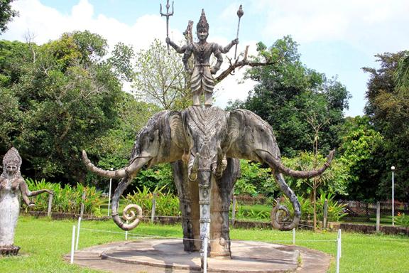 Iconic three-head elephant statue in Budha Park