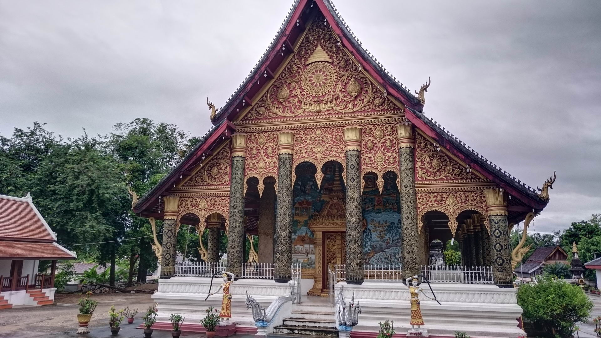 Wat Mahathat - Temple of the Great Stupa