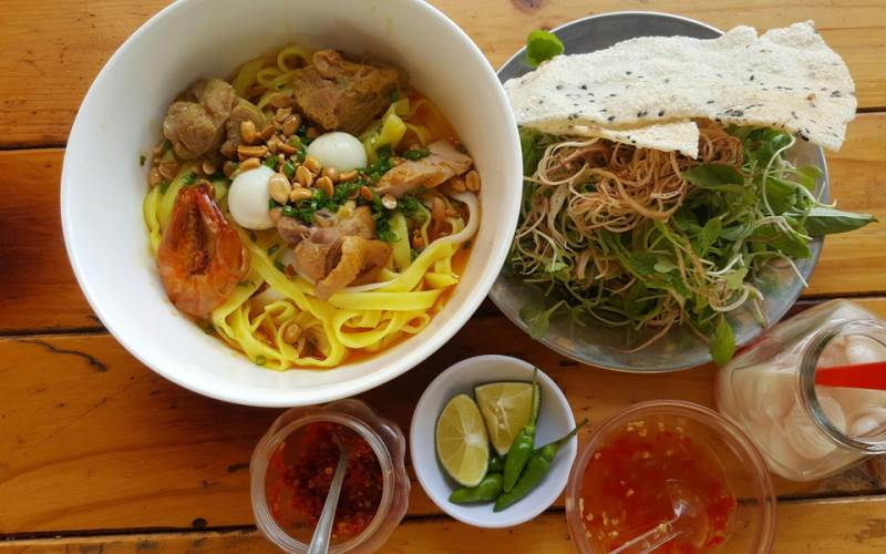 Mì Quảng (Quang style noodles) – what to eat before leaving Hoi An